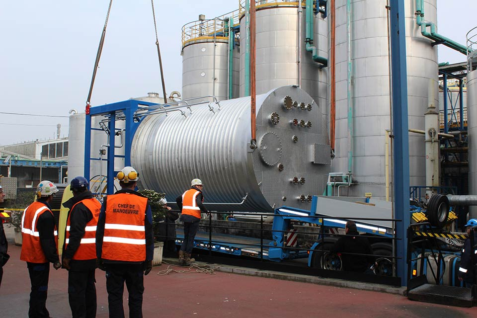 Pressure vessel installed for a prestigious worldwide manufacturer of engine oils and lubricants