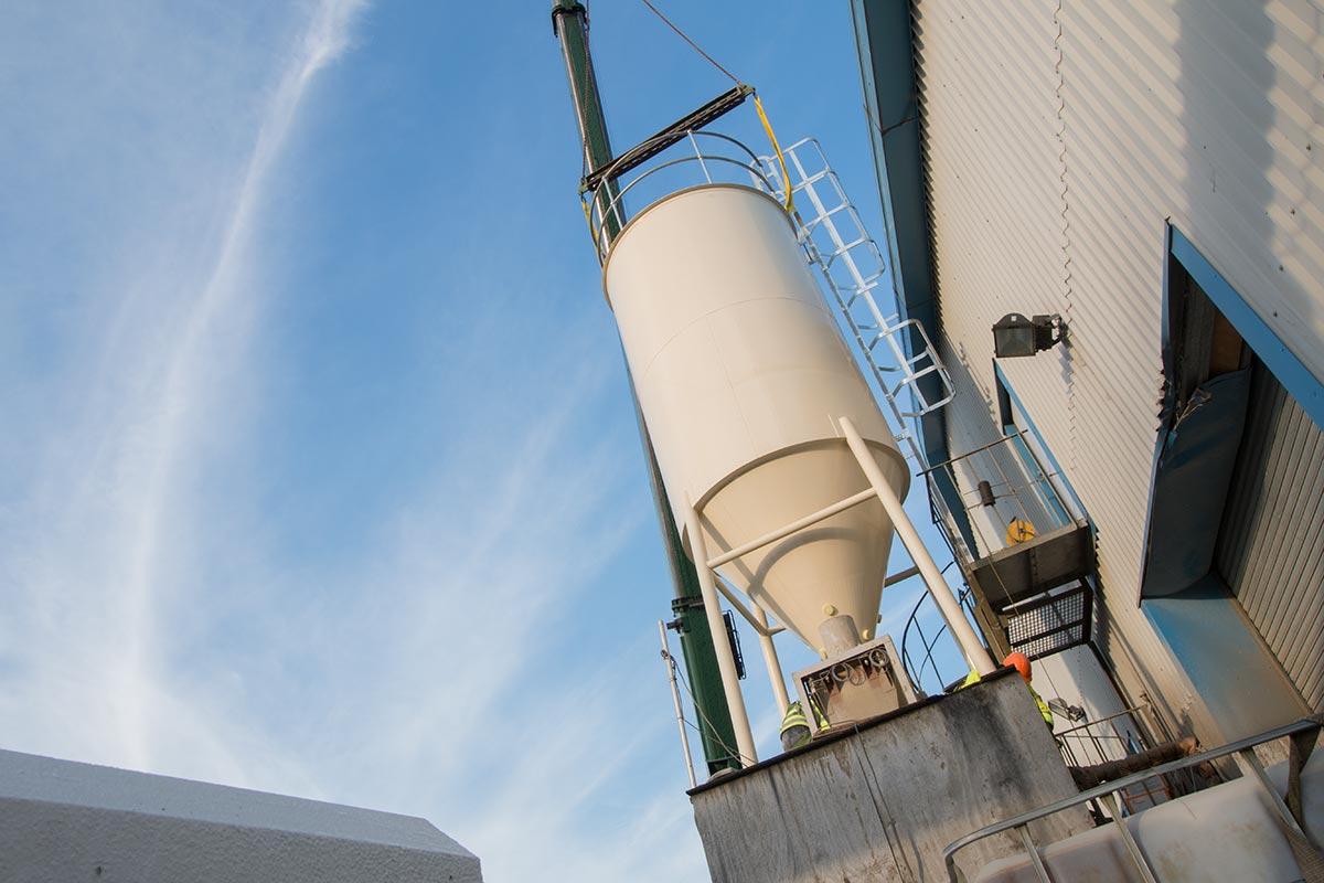 Installation of silo for cement storage - Spirotech-SRD