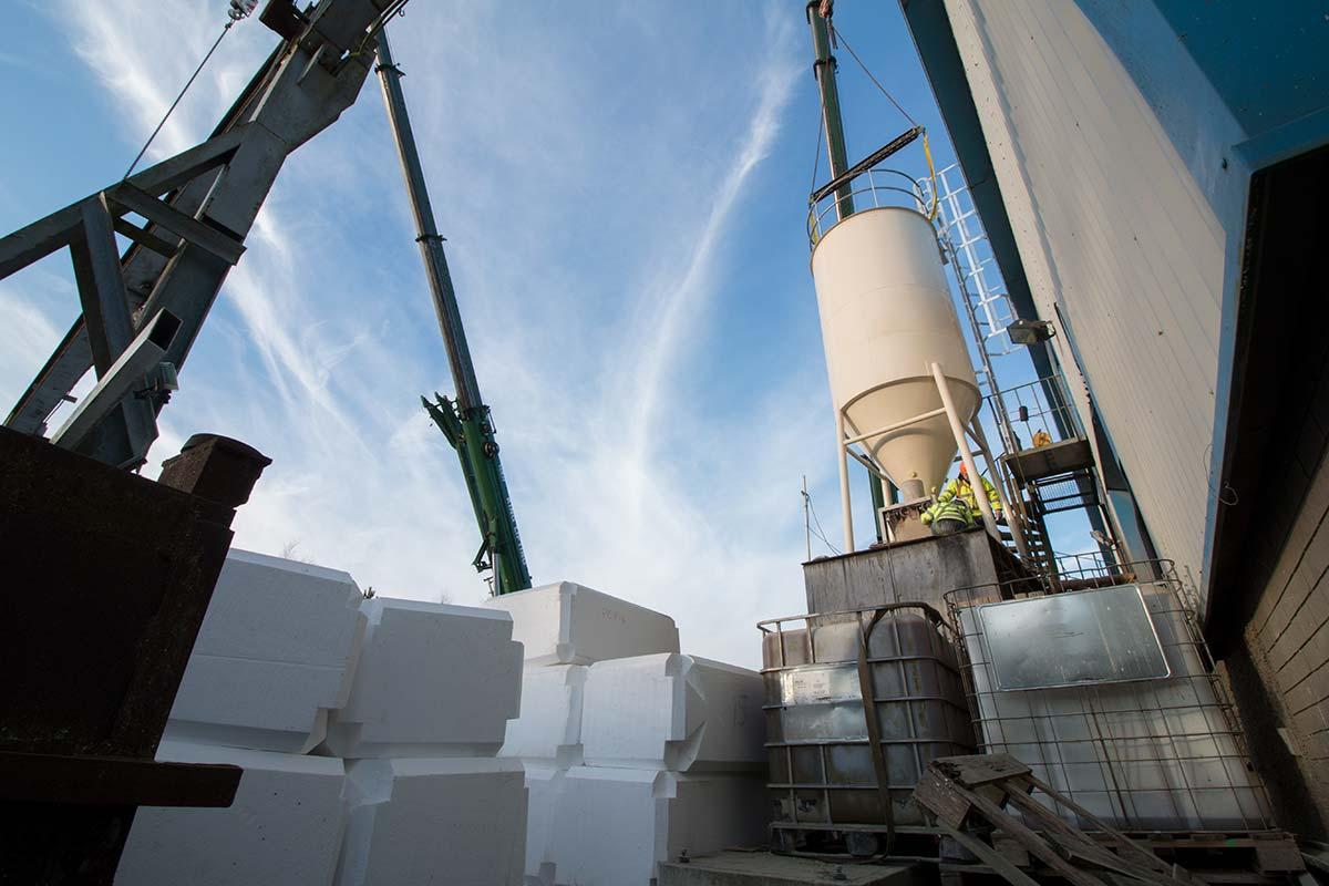 Installation of new silo into confined area