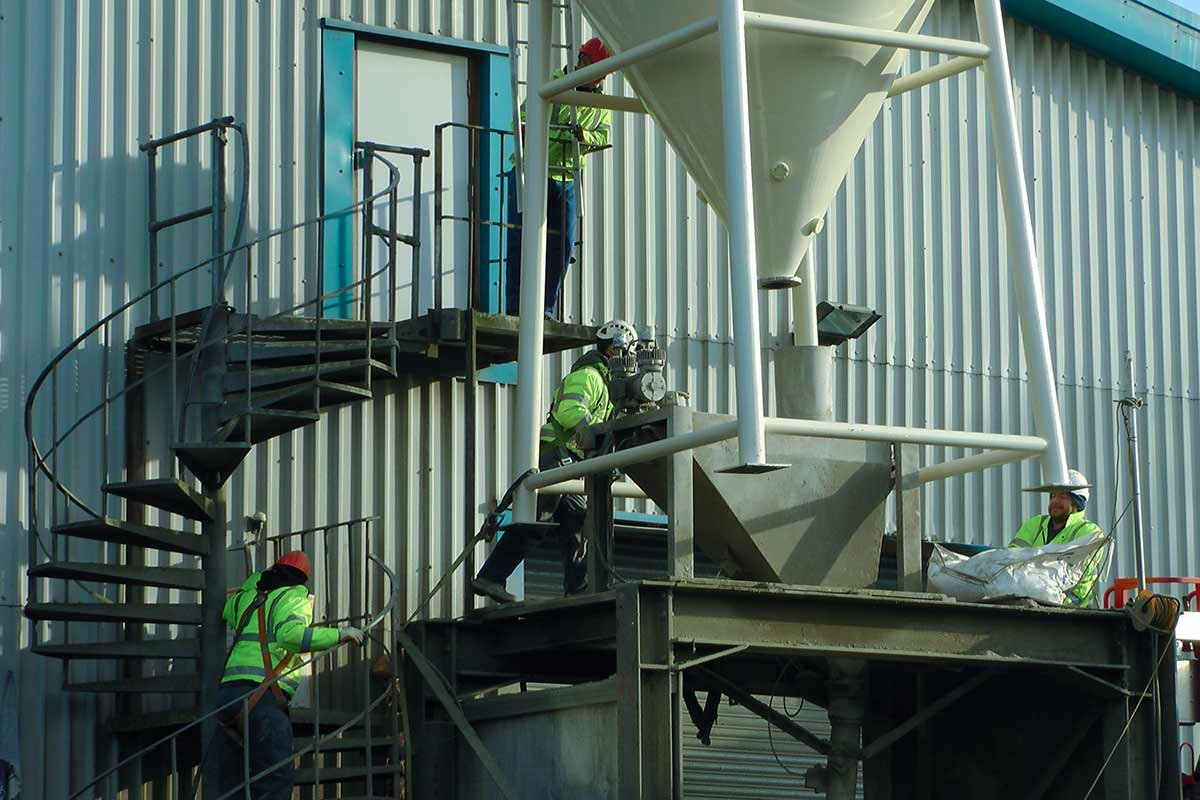 Installation of new silo for storage of dry cement - Spirotech-SRD