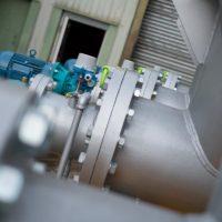 Screw conveyors for bulk handling materials