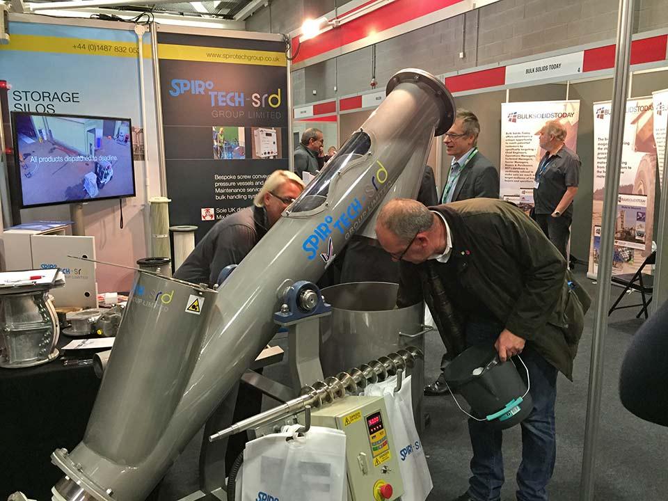Spirotech demonstrate canted flight screw conveyor at BULKEX 2015
