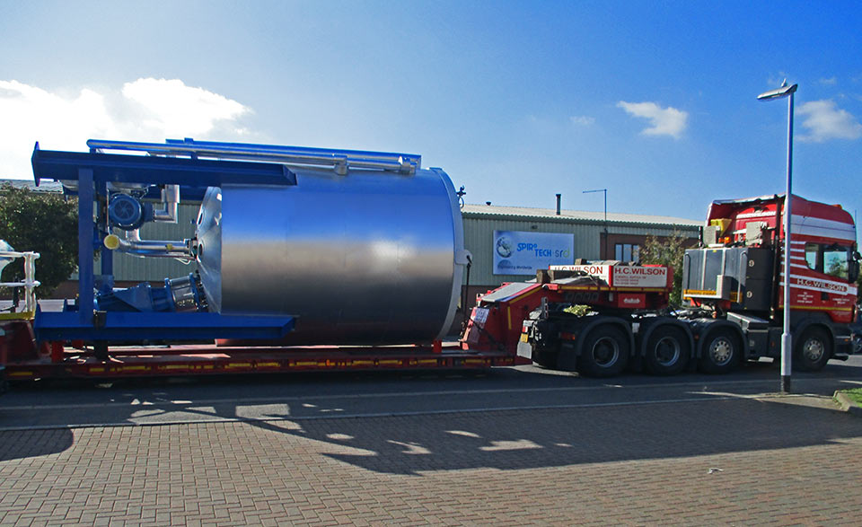 Spirotech oil blending vessel heads for Belgium
