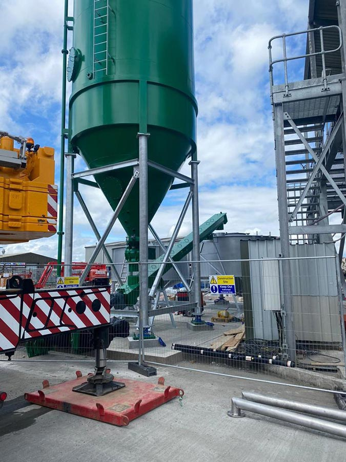 Installation of carbon steel silos and carbon steel screw conveyors